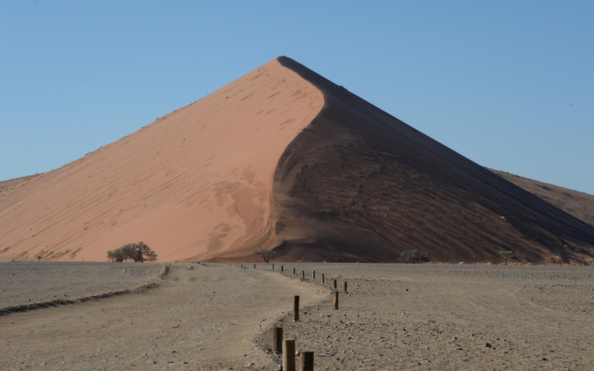 Namibia_Sossusvlei_Deadvlei_07