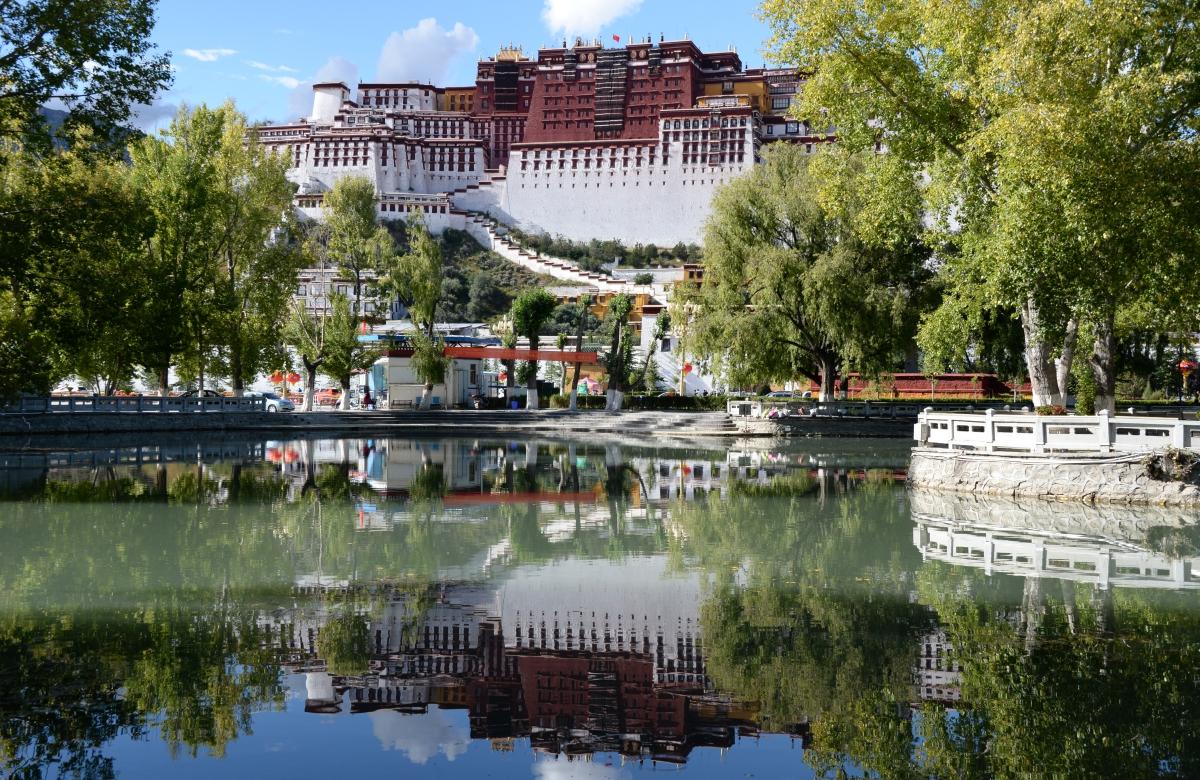 Tibet_Lhasa_Potala_01
